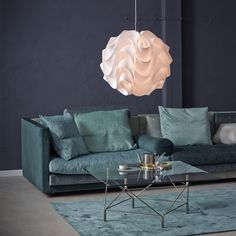 Le Klint 172 is perhaps the most well-known Le Klint lamp. Its background dates back to the 1960s, when Jan Klint - the managing director of Le Klint at the time - realised that even classics need new incentives.