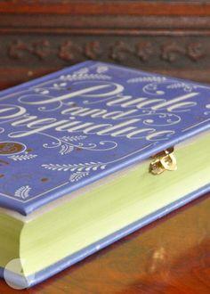 24 trucos DIY para convertir tus viejos libros en algo hermoso 5