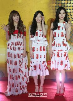 ►GIRLS' GENERATION-TTS || @ Golden Disk Awards in Beijing - Red Carpet [15.01.15] #snsd #tiffany #taeyeon #soehyun #girlsgeneration #kpop  #tts