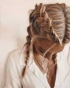 Homecoming Hairstyles Buns Brides is part of Prom Hairstyles For Long Hair Short. - Homecoming Hairstyles Buns Brides is part of Prom Hairstyles For Long Hair Short Hairstyles Prom 70 Super Easy DIY Hairstyle Ideas For Medium Length Hair – Prom Hairstyles For Long Hair, Homecoming Hairstyles, Bun Hairstyles, Hairstyle Ideas, Hair Ideas, Easy Diy Hairstyles, Wedding Hairstyles, Updo Hairstyle, Easy College Hairstyles