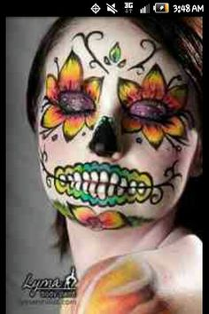 Simple face painting designs are not hard. Many people think that in order to have a great face painting creation, they have to use complex designs, rather then Maquillaje Sugar Skull, Maquillaje Halloween, Day Of Dead Makeup, Halloween Make Up, Halloween Face Makeup, Halloween Costumes, Halloween 2013, Vintage Halloween, Makeup Ideas