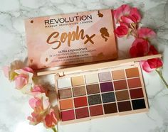 When I saw SophDoesNails announce her collab with Makeup Revolution, I was super excited! I loved the look of the eyeshadow palette especially after she went through each shade and her reasons behi… - Make Up Forever Makeup Revolution Palette, Makeup Revolution Soph, Revolution Eyeshadow, Makeup Palette, Eyeshadow Palette, Revolution Cosmetics, Makeup Box, Cute Makeup, Makeup Brush Set