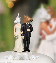 Um casal de bolo fantasiado de animal