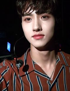 Yeo wOW<<<why are u so heCKING CUTE YEO ONE