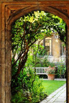 oxford university archways - Google Search Arches, Oxford, University, Outdoor Structures, Google Search, Garden, Windows, Puertas, Bows