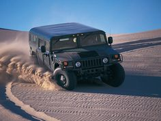 Hummer H1 Hummer Truck, Hummer H1, Bond Cars, Armored Truck, Off Road, Armored Vehicles, Cars And Motorcycles, Military Vehicles, Super Cars