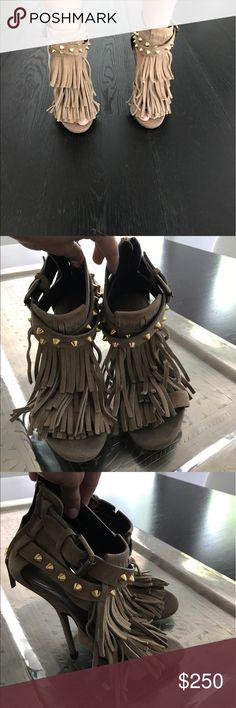 Giuseppe Zanotti Fringed suede and studded heels Tan suede fringed heels with back zipper Giuseppe Zanotti Shoes Heels