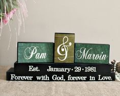 Custom Wedding Anniversary Gift for Parents - Personalized Family Name Wood Sign - Wedding Gifts Canada - Bridal Shower Gift Idea