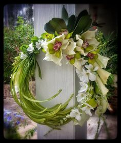 Beautiful Ikebana style orchids and callas bridal bouquet for a Hollywood Glamour wedding Custom Order Ikebana Style Calla Orchids Contemporary Flower Arrangements, White Flower Arrangements, Funeral Flower Arrangements, Funeral Flowers, Wedding Flowers, Orchid Bridal Bouquets, Floral Bouquets, Floral Wreath, Deco Floral