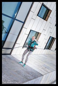 House Running { via @eiswuerfelimsch } { #fitness #passion #training #berlintriathletes } { #pinyouryear #triathlon #triathlonblogger #fitnessblog #fitness #fun #berlin #jochenschweizer #running #laufen #odlo } { #wallpaper } { http://eiswuerfelimschuh.de }