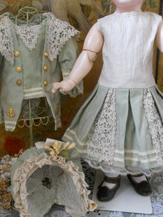 ~~~ Most Beautiful Childlike French BeBe Dress with Bonnet ~~~