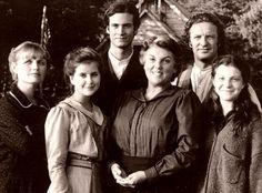 Christy - (1994-95). Starring: Kellie Martin, Randall Batinkoff, Stewart Finlay-McLennan, Tyne Daly, Emily Schulman, Tess Harper, LeVar Burton and Sally Smithwick. Partial Guest List: Diane Ladd, Dixie Carter and John Schneider.
