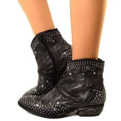 Stivaletti Texani Donna in pelle vintage con Borchie, Comodi e Fashion. Altezza alla caviglia Ankle Western Boots con tacco basso. Nuova collezione Made in Italy.
