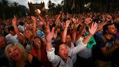 La alegría inicial al proclamarse la república... / I.Alvadaro (Reuters)