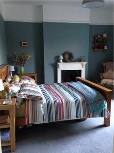 Farrow & Ball Oval Room Blue 85 - Bedroom walls in Oval Room Blue Bedroom Wall Colors, Blue Bedroom, Bedroom Decor, Bedroom Ideas, Oval Room Blue, Blue Rooms, Farrow And Ball Bedroom, Farrow Ball, Room Paint