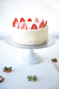 sweet + easy strawberry decor - one cake three ways via @You Are My Fave