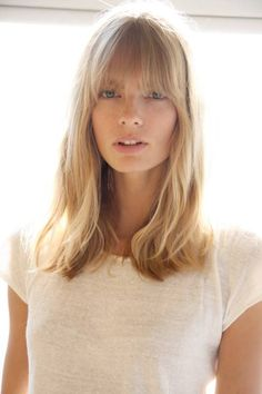 bangs & waves. Love this blonde colour.