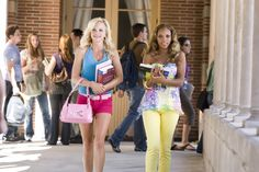 Anna Faris and Kiely Williams in The House Bunny House Bunny Movie, The House Bunny, Kiely Williams, Awkward Girl, 2000s Fashion Trends, Anna Faris, Bunny Outfit, Indie Kids, Star Fashion