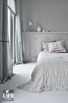 VTwonen huis Wittekaap © Paulina Arcklin #interior #home #decoration #vtwonen #grey #white #bedroom