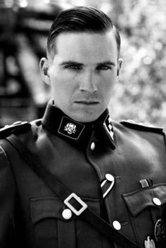 Ralph Fiennes as Amon Goeth in Schindler's List. Nazi officers, SS, SA, and Hitler Youth uniforms were designed by Hugo Boss. Amon Goeth, Ralph Fiennes, Schindlers Liste, Greatest Villains, Famous Villains, Hollywood, Steven Spielberg, Men In Uniform, Raining Men