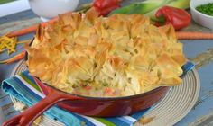 Beautiful and delicious! Topped with golden flakes of phyllo, bright gems of leeks, carrots and pepper are hidden inside. The ham is enveloped in a creamy mustard sauce. A pinch of nutmeg brings the flavours alive! Creamy Mustard Sauce, Sauce Crémeuse, Savory Tart, Meat Pies, Ham And Cheese, Pot Pie, Saveur, Quiches, Pastries