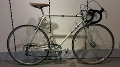 End of 70's no name or framenumber RIH. Made in Venlo. Shimano 600 and arabesque.