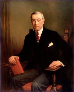 Woodrow Wilson (1856 - 1924), De 28e president van de VS. In het Vredesverdrag van Versailles kwam hij met het idee om ''de Volkenbond'' op te richten. Dit plan mislukte omdat sommige landen niet mee wouden werken aan het ''project''