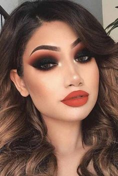 53 Trending Smokey Eye Makeup Ideas The most important point to rememb. - 53 Trending Smokey Eye Makeup Ideas The most important point to remember for all types of - Simple Eye Makeup, Eye Makeup Tips, Makeup Trends, Makeup Products, Face Makeup, Makeup Hacks, Sexy Eye Makeup, Dark Eye Makeup, Natural Makeup