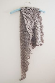 Dory shawlette by Goodknits