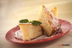 Prepare uma receita simples para a sua tarde. Conviva com quem mais gosta e partilhe este bolo de coco.