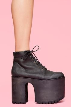 I want it ! http://www.nastygal.com/shoes/wednesday-platform-boot