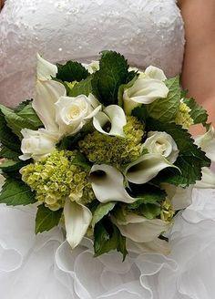 bouquet_sposa_ortensie_calle_rose.jpg le calle non ci sono in luglio, ma le ortensie verdi si