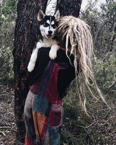 Her outfit❤️ That pup😘 Dope dreads👌 Blonde Dreads, Dreads Girl, Dreadlock Hairstyles, Messy Hairstyles, Pretty Hairstyles, Mode Hippie, Hippie Style, Pelo Rasta, Rasta Hair