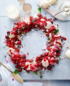 Christmas-Eton-Mess-Wreath-013
