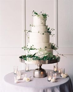 gorgeous simple wedding cake
