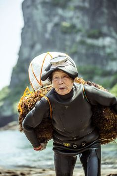 One of Jeju Island's legendary divers