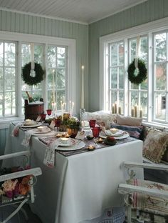 I do these wreaths in my dining room windows, still my favorite way to do them for the holidays.