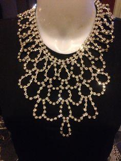 #collana in #cristalli #trasparenti. Su www.oro18.eu #oro18 #bigiotteria #bijoux #jewelry