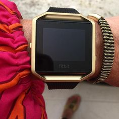 Fitbit Blaze Frame, you got more color options here - silver, black, gold, rose gold and blue.