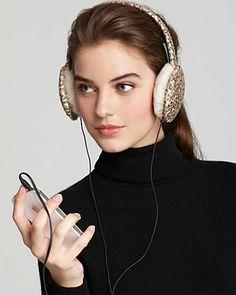 Lauren+Ralph+Lauren+Tech+Earmuffs Black or red would be my preference but you get the idea. Winter Accessories, Tech Accessories, Iphone Gadgets, Earmuffs, Fashion News, Women's Fashion, Geek Stuff, Ralph Lauren, Hoop Earrings