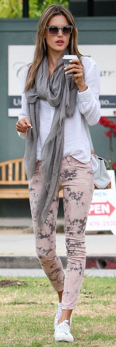 Alessandra Ambrosio in our Siwy Hannah Slim Crop Jean in Thunder.