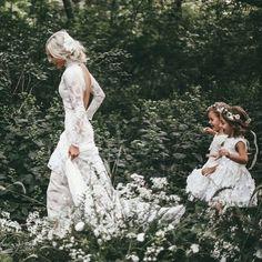 150 vintage wedding dresses you will fall in love – page 1 Fantasy Wedding, Boho Wedding, Wedding Gowns, Bridal Gowns, Dream Wedding, Wedding Day, Woodland Wedding Dress, Wedding Styles, Wedding Photos