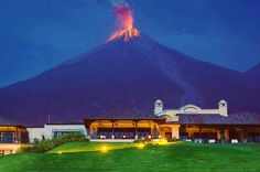 View of the volcano of fire from (Reunion Golf Resort Guatemala). Buenas noches Guatemala les dejamos con una hermosa imagen del Volcán de Fuego en erupción visto desde la Reunión Golf Resort.  Foto: Marcelo Jimenez  #guatemala #guate #chapin #firevolcano #volcan #fire #resort #lareunion #reunionresort #eu #uk #ita #norway #god #amazing #poland #gb by wilmer1992