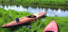 Kaum ein anderer Fluss steht mehr für die Schönheit und die Paddler Romantik in der Lüneburger Heide als die Örtze. Ihr natürlicher Flusslauf durch die wunderschöne Südheide, weitgehend fernab von Straßen, Dörfern und Kulturflächen, mitten durch unberührte Natur, macht den unverwechselbaren Charme und den paddlerischen Reiz dieses Heidebachs aus. Von einem Sumpfgebiet nördlich der Stadt Munster schlängelt sich die Örtze 62 km durch Wälder, Wiesen und Heide bis zu ihrer Mündung in die Aller…