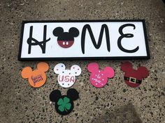 Interchangeable Mouse Head Home Sign-year round- holiday-seasonal Belem, Disney Sign, Disney Disney, Disney Stuff, Craft Projects, Projects To Try, Project Ideas, Wood Projects, Boho