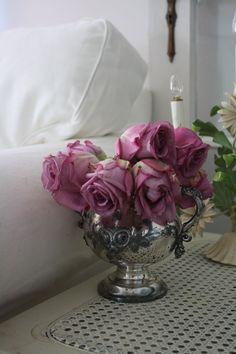 Love my purple roses !