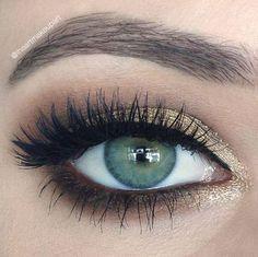Najbardziej popularne znaczniki tego obrazu obejmują: makeup, eyes, eye, make up i eyebrows