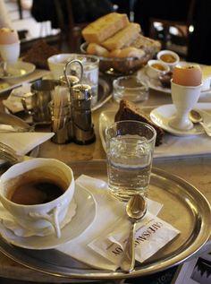 Prahan kahvilat ja ravintolat Martha Stewart, Baking, Tableware, Top, Dinnerware, Bakken, Tablewares, Dishes, Backen