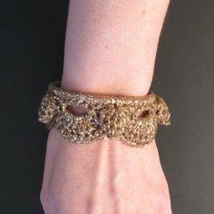 Crochet Bangle Bracelet - free crochet pattern