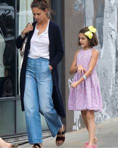 Suri Cuise and Mom out on Los Angels street